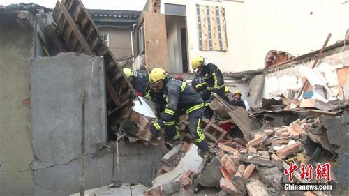 浙江宁波一民房发生爆炸 房屋倒塌致1死1伤