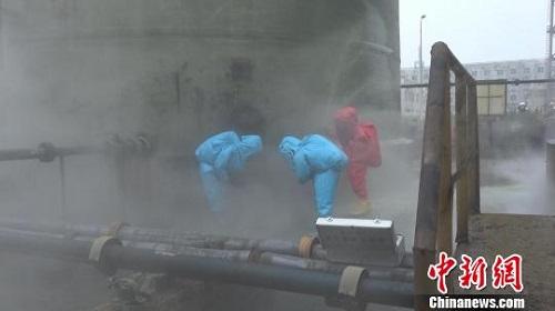山西介休一化工厂大型浓硫酸罐破裂