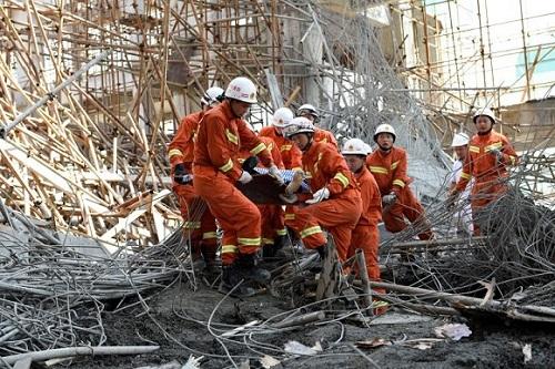 四川广安一在建工地发生坍塌事故 造成2死2伤