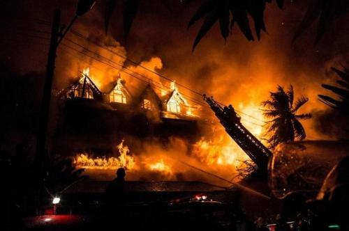 缅甸仰光知名酒店失火报废 至少1人死亡