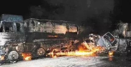 山东东营油罐车爆燃 致3人死亡